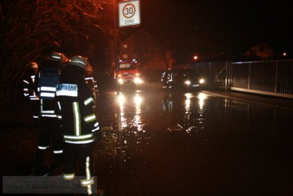 Hilfeleistung vom 19.01.2012     (C) Feuerwehr Muehlhausen (2012)